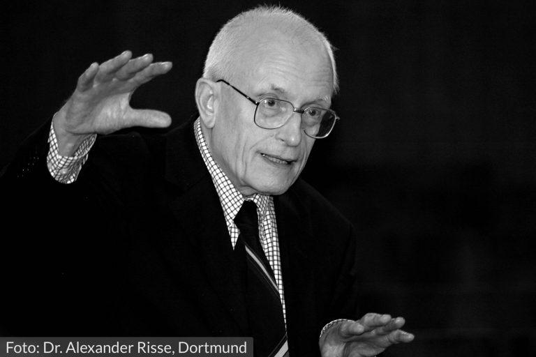 """""""Eine der größten Forderungen an die Führungskraft"""" – Hermann Schmitz im Gespräch über Atmosphären in Unternehmen"""